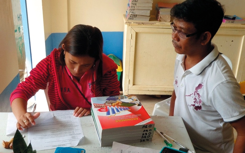 «دبي العطاء» تطور مهارات 10 آلاف فتاة في مقاطعات فقيرة بالفلبين