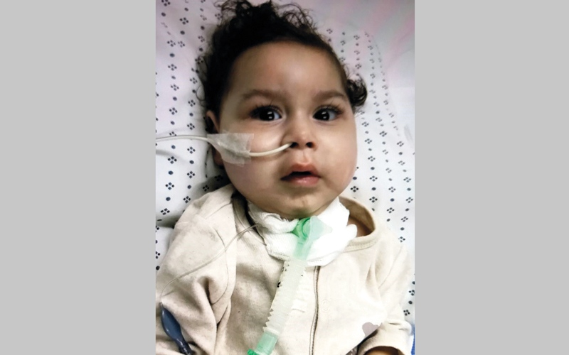 متبرع يشتري أجهزة طبية لـ «محمد».. وآخر يسهم في العلاج
