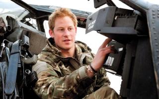 الصورة: الأمير هاري لايزال يشعر بالذنب لأنه ترك رفاقه الجنود في أفغانستان