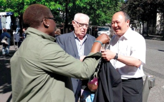 الصورة: اتهام مرشح في حركة ماكرون بالفساد قبل أيام من الانتخابات البرلمانية