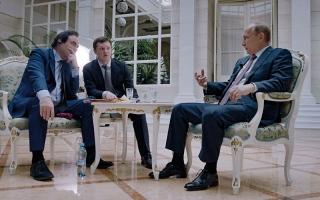 الصورة: بوتين ينتقد هيلاري كلينتون لأنها قارنته بهتلر