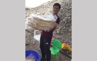 الصورة: «خبز الرقاق».. صناعة تنتعش في رمضان