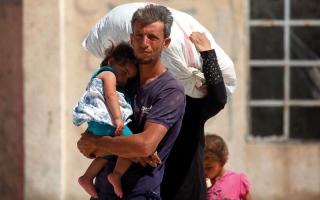 الصورة: «سورية الديمقراطية» تتقدم في الرقة وتهاجم قاعدة عسكرية مجاورة
