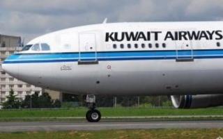 """الصورة: تعرض احدى طائرات """"الخطوط الكويتية""""لحادث أرضي دون اصابة احد من ركابها بأذى"""