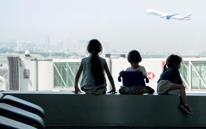 """""""الطيور المبكرة"""".. عطلات المسافرين تبدأ قبل صعودهم إلى الطائرة"""
