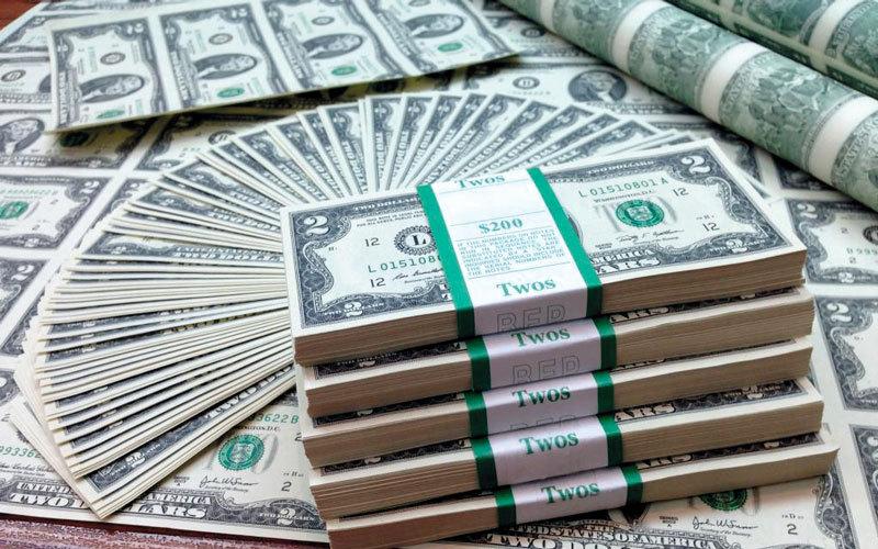 طالب المصرف المركزي البنوك بتقديم معلومات تفصيلية ومنتظمة بشأن تداولات النقد الأجنبي لديها، وكذلك بشأن السحب على الودائع والسيولة والتحويلات.  أرشيفية