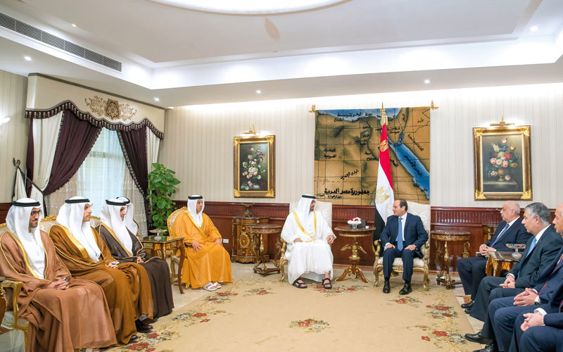 محمد بن زايد خلال محادثاته مع الرئيس المصري في القاهرة أمس. وام