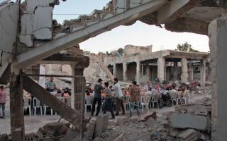 الصورة: طائرات حربية تُغير على درعا مع نهاية الهدنة