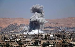 الصورة: اشتباكات بين قوات سورية الديمقراطية و«داعش» في الرقة