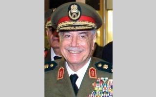 الصورة: وفاة وزير الدفاع السوري السابق  مصطفى طلاس