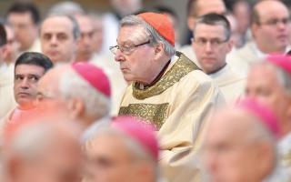 الصورة: أستراليا توجّه إلى وزير مالية الفاتيكان تهمة التحرش جنسياً بأطفال