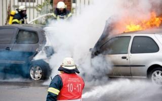 الصورة: رابطة ألمانية تنصح السائقين بالهدوء والثبات عند التعامل مع حرائق المركبات