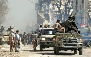 الصورة: هزيمة ساحقة للجماعات المسلحة الحليفة لقطر في بنغازي