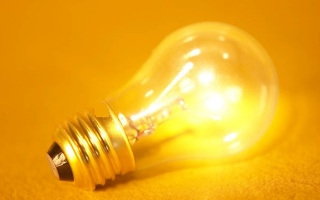 """الصورة: منع استيراد و تصنيع المصابيح """" غير الموفرة للطاقة """" في الكويت"""
