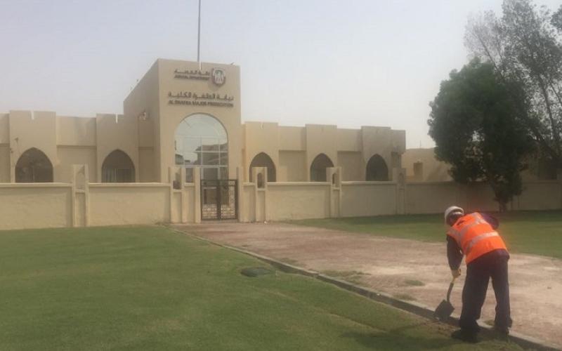 الصورة: محكمة الظفرة تلزم 5 مدانين بأداء الخدمة المجتمعية