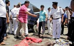 الصورة: مصر: استشهاد 5 من الشرطة ومقتل سائحتين ألمانيتين بهجومين