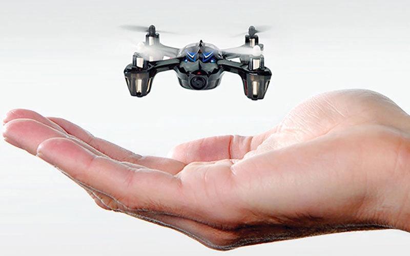 الصورة: فريق بحثي يطرح نموذجاً أولياً لطائرات «درونز» متناهية الصغر