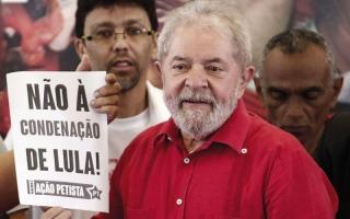 الصورة: قاضي يأمر بتجميد حسابات الرئيس البرازيلي السابق ومصادرة ممتلكاته