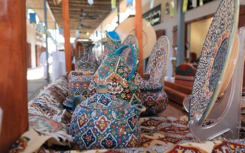 الصورة: بهجة الصيف في «سوق الشناصية»