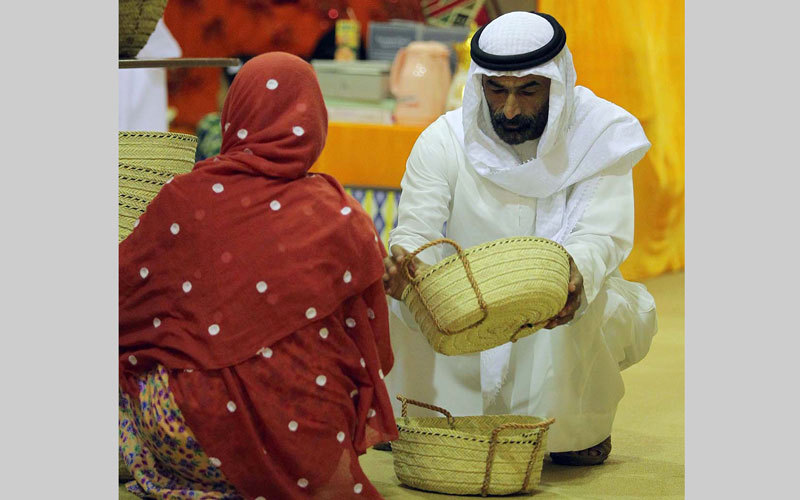 مواطنة تبتكر لعبة للتوعية بحماية النخل من السوسة الحمراء - الإمارات اليوم