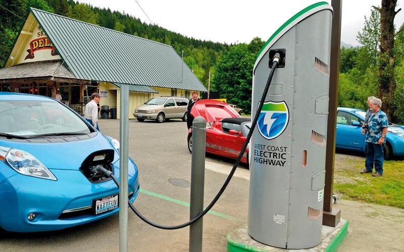 الصورة: رئيس «تيسلا» يتوقع ثورة تقنية في عالم السيارات ذاتية القيادة