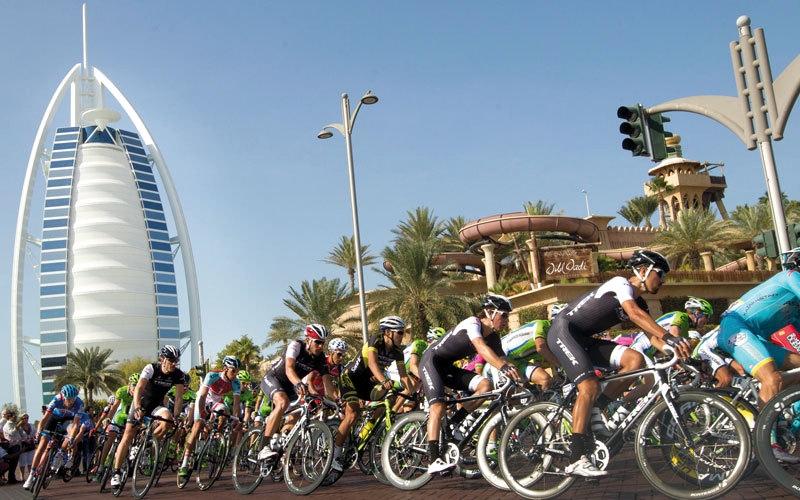 الصورة: اللجنة المنظمة تناقش تحضيرات «طواف دبي»