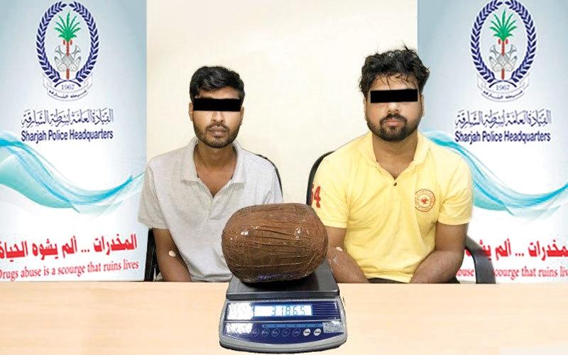 الصورة: القبض على شخصين بحوزتهما 3.47 كيلوغرامات ماريغوانا