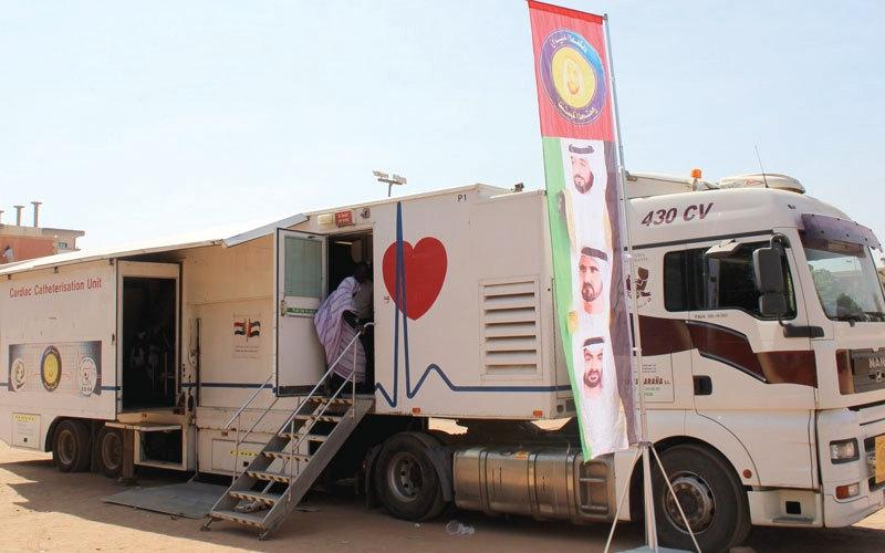 الصورة: «زايد الخير» تعالج الأطفال والمسنين في السودان