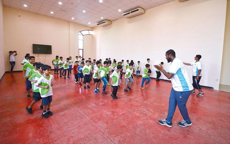 الصورة: 600 مشارك في فعاليات الحمرية لكرة القدم واللياقة البدنية
