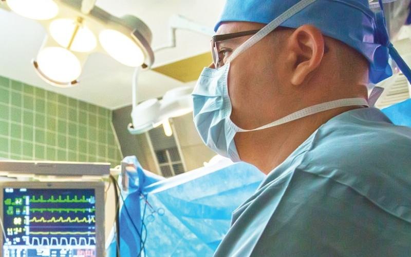 """الصورة: مستشفى توام ينجح في إنقاذ حياة """"رضيع"""" ابتلع 21 قطعة مغناطيسية"""