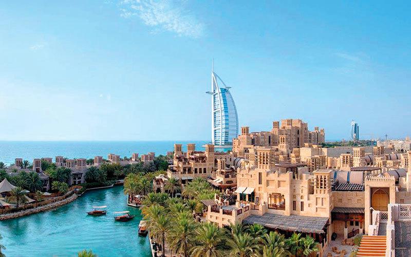 «مدينة جميرا».. منتجع فاخـــر يستلهم تصميمه من القلاع العربية وأبراج الرياح