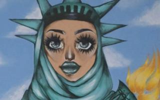 الصورة: سارة بالين تغضب بسبب صورة  تمثال الحرية المحجبة