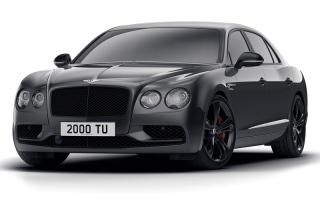 الصورة: «بنتلي» تقدّم نسخة سوداء من سيارتها «فلاينغ سبور  في 8 إس»
