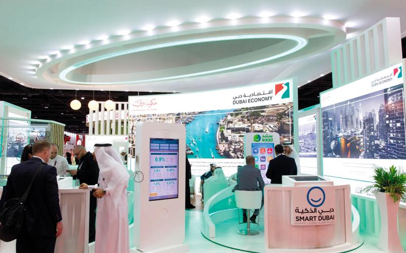 اقتصادية دبي خصصت متحدثاً باللغة الصينية لاستقبال شكاوى السياح والمستهلكين الصينيين. أرشيفية