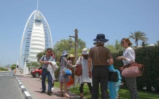 دبي تستحوذ على 34% من الإيرادات السياحية بالمنطقة في 2016