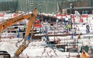 الصورة: تداعيات الأزمة ضربت القطاع الفندقي ومشروعات البناء الضخمة في قطر