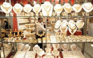 تجار: إقبال على بيع المشغولات المستعملة للاستفادة من زيادات الذهب