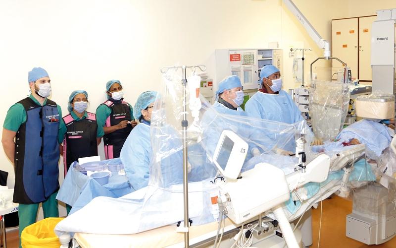 الصورة: مستشفى دبي يجري 4 عمليات في القلب دون جراحة