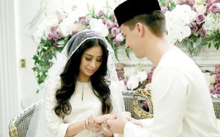 الصورة: أميرة ماليزية تتزوج شاباً هولندياً