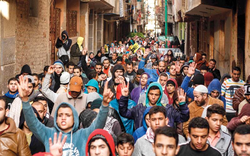 تظاهرة لمؤيدي «الإخوان المسلمين» في مصر الذين يتعرضون لعملية من التضليل من قبل قادة الجماعة. أ.ب