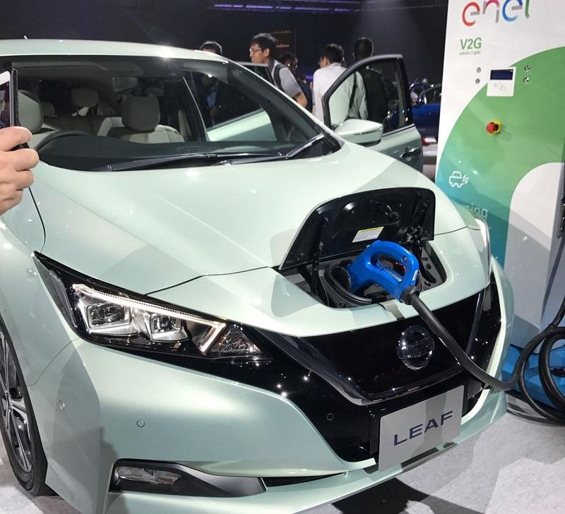 """بالصور: """"نيسان"""" تكشف عن جيل جديد من سيارتها الكهربائية """"ليف"""""""