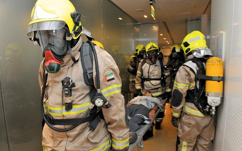 الصورة: وفاة 4 وإصابة 66 شخصاً في 232 حريقاً بدبي خلال 6 أشهر