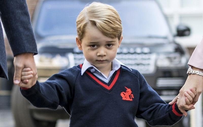 الصورة: بالصور.. الأمير جورج في أول أيام دراسته بلندن