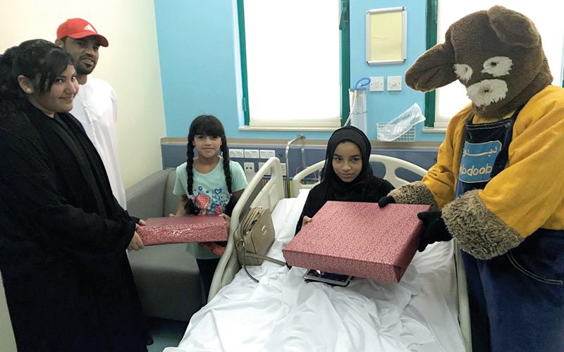 فريق «واجب التطوعي» يبهج الأطفال المرضى