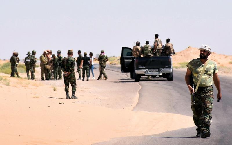 الصورة: قوات النظام تسيطر على طريق دير الزور - دمشق