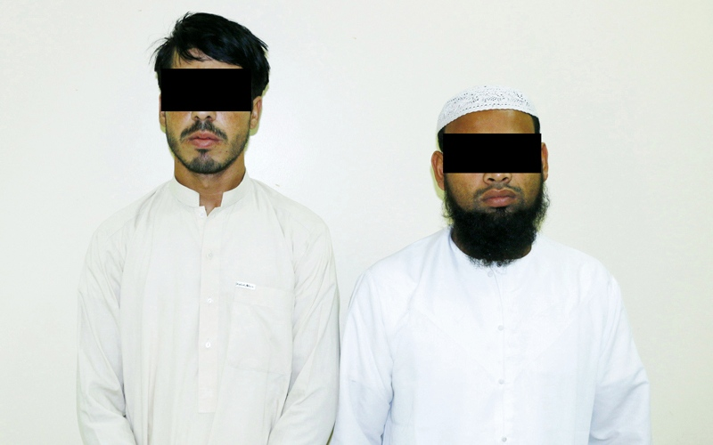 الصورة: القبض على 3 أشخاص متهمين بسرقة كبلات
