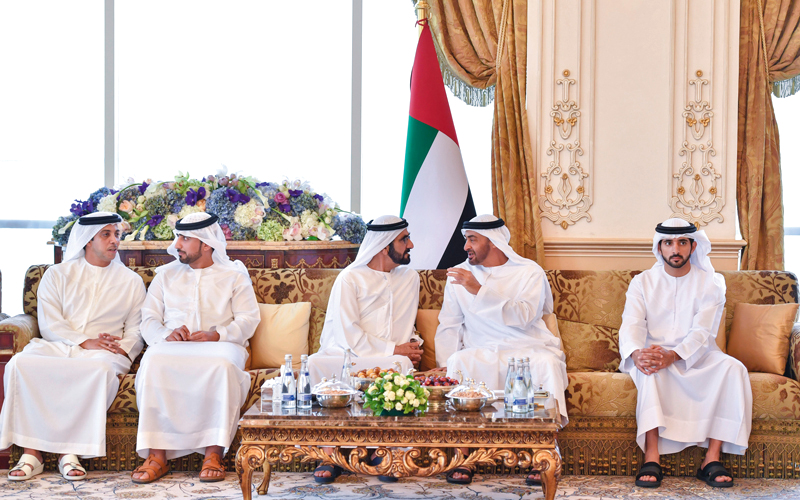 محمد بن راشد ومحمد بن زايد يـــؤكدان أهمية توظيف الإمكــانات لتحقيــق رؤيــة الإمارات 2021