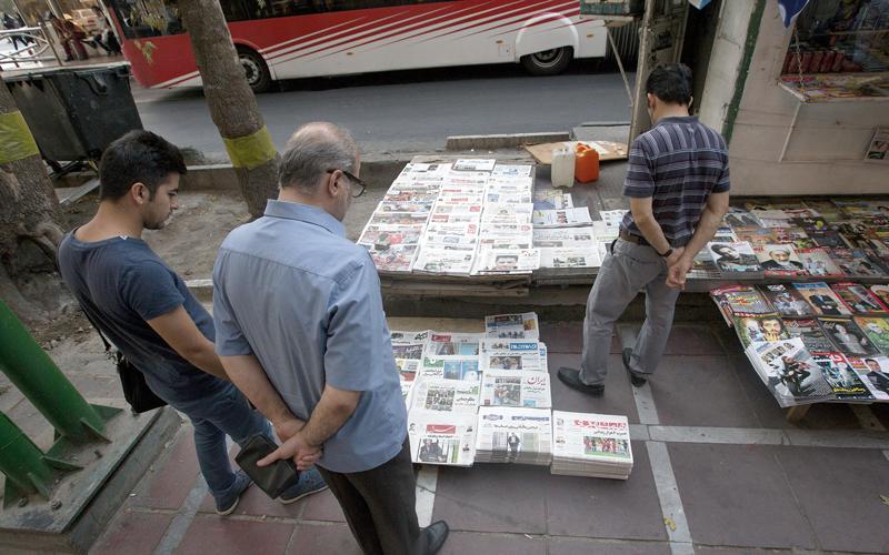إيران تهدّد الصحافيين للحصول على تغطية إيجابية في وسائل الإعلام العالمية