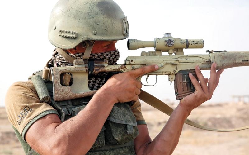 الصورة: «قسد» تتهم النظام والقوات الروسية بعرقلة تقدمها في دير الزور