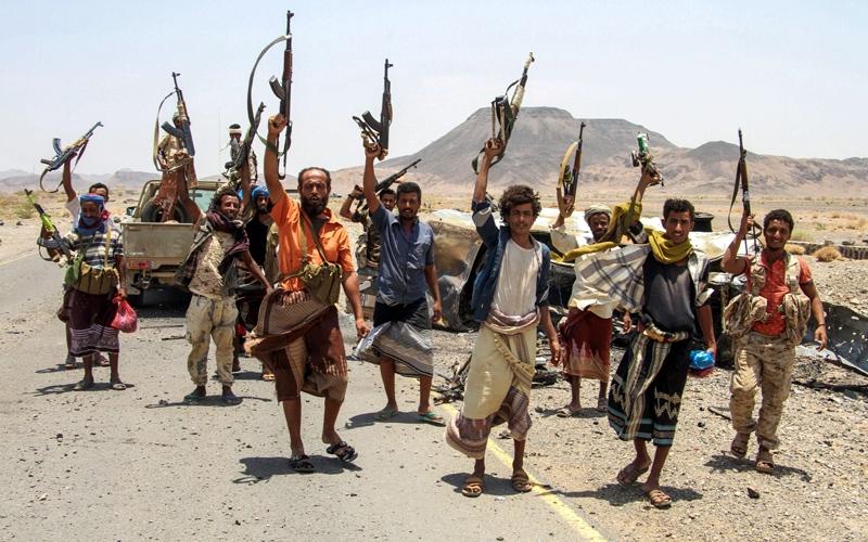 الصورة: «الشرعية»: فتح جبهات قتال جديدة في محافظات عمران والبيضاء وإب